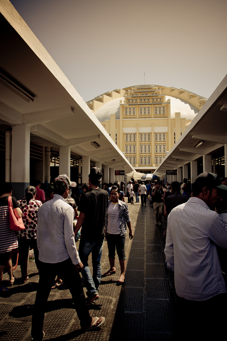 Photograph People in old fashion market. by Song Khung Kouch on 500px