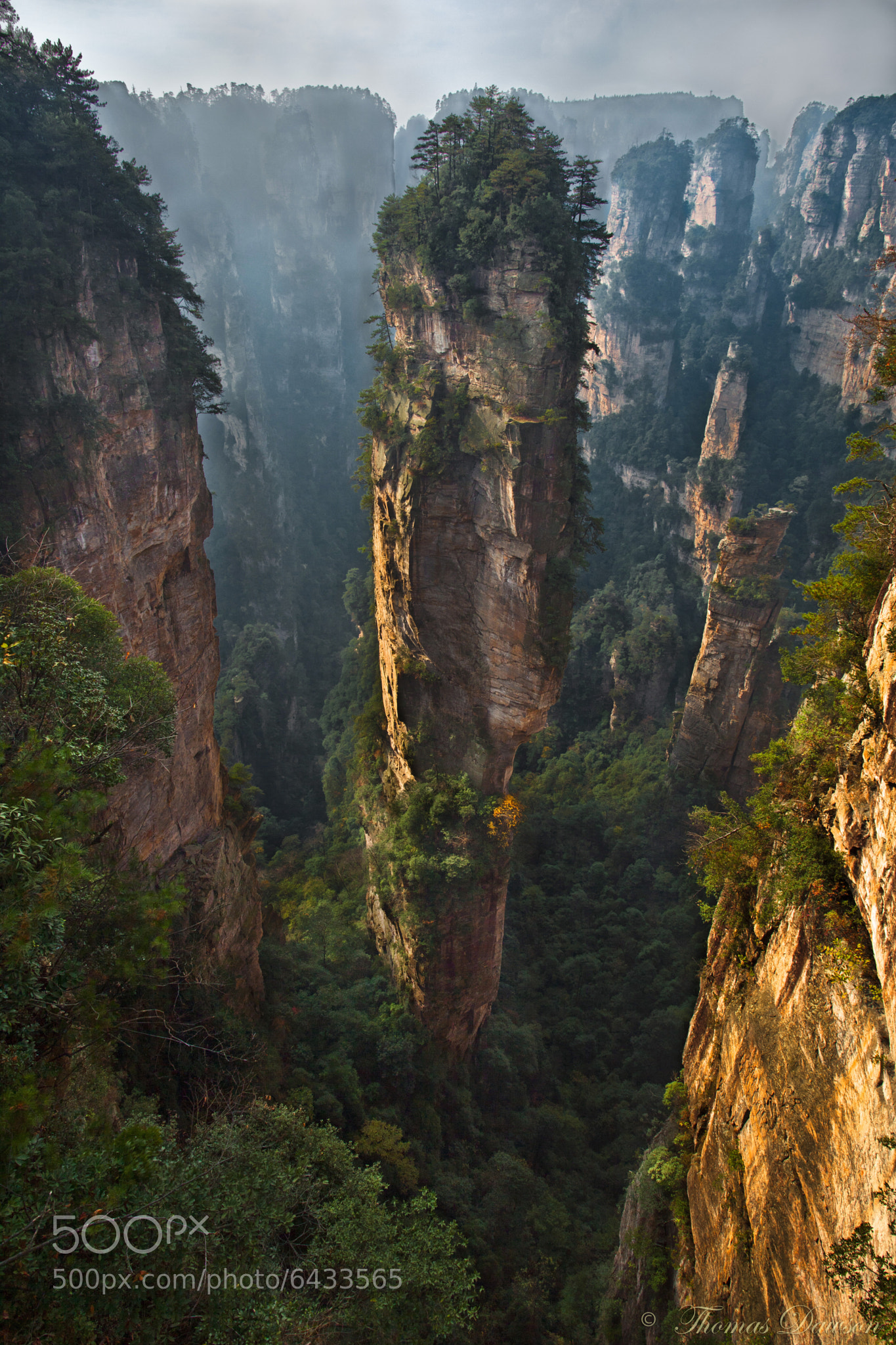 one of a kind thomas dawson china quartz pillar balancing floating avatar hallelujah Zhangjiajie National Park south pillar heaven