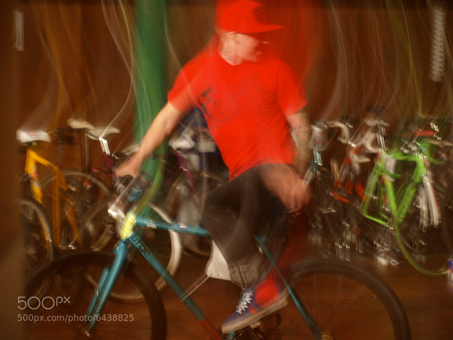 Blur Cyclist by Alexandre Roty (AlexRoty) on 500px.com
