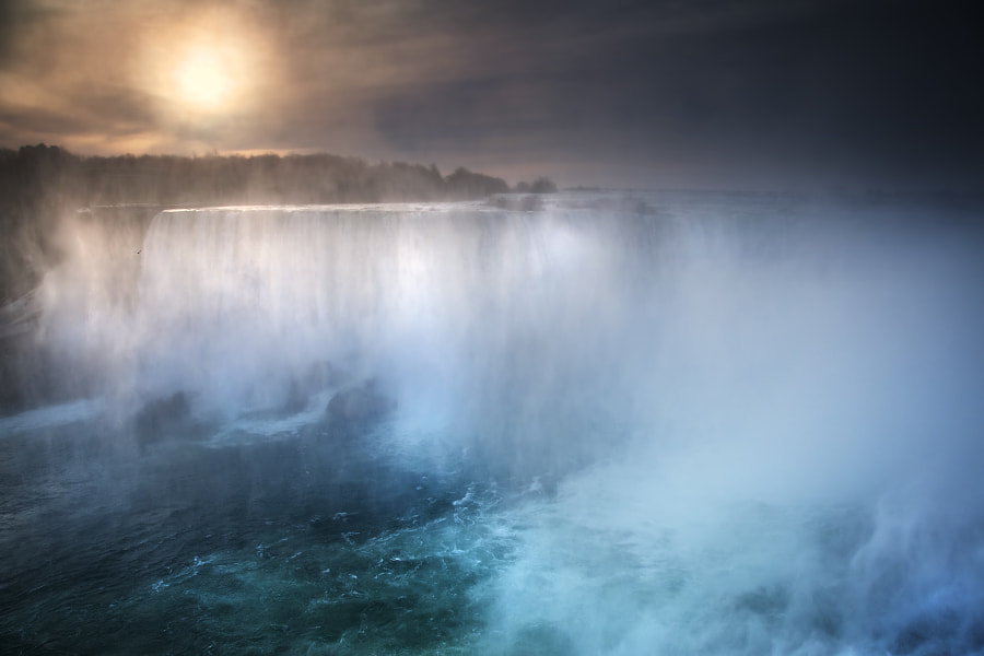 Early morning at Niagara