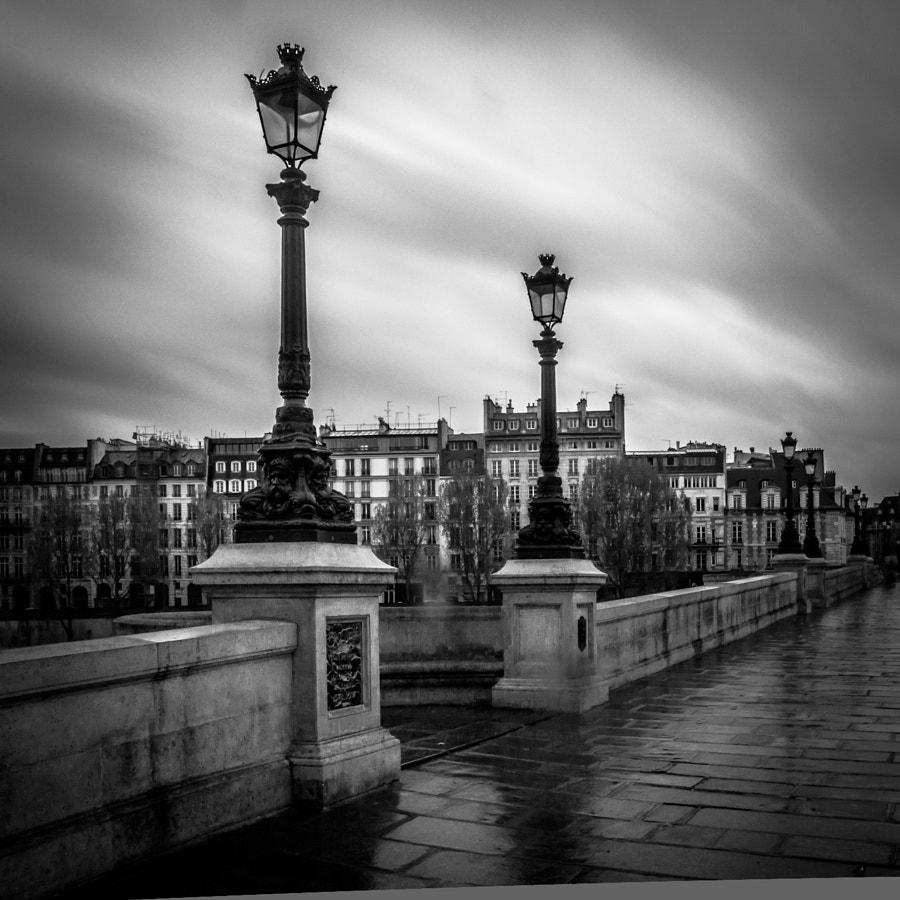 Paris lamps BW