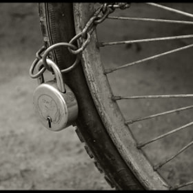 Chained by Arindam Das (coffeetable)) on 500px.com
