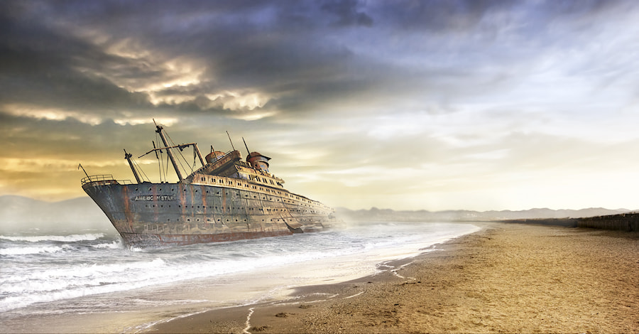 Photograph The day of the shipwreck by Daniel Metz on 500px