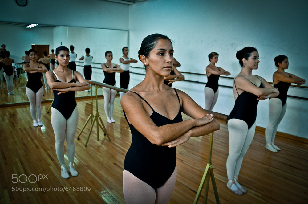 Photograph danzarinas 01 by Héctor Barrera Carrera on 500px