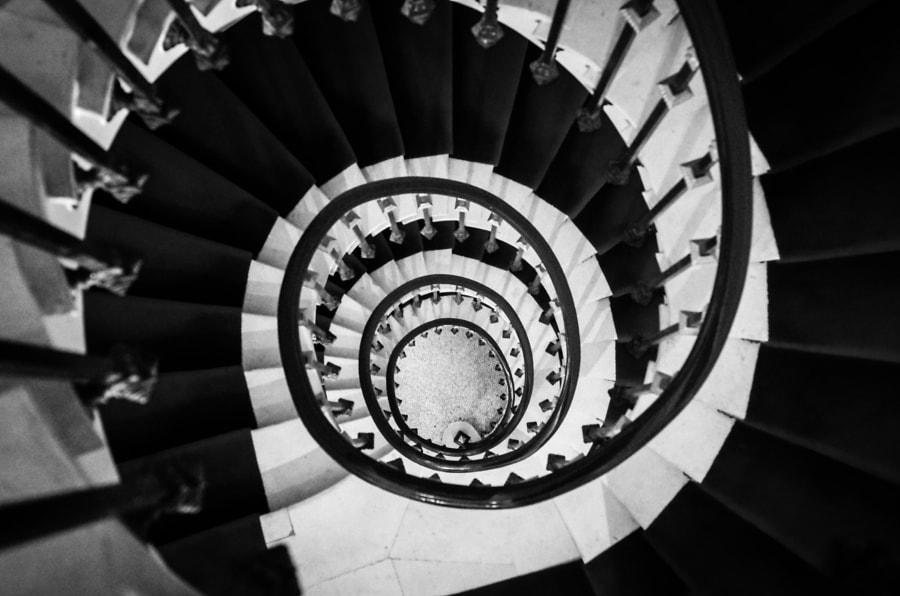 Interior-Paris-Staircase