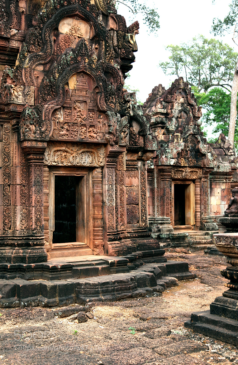 Photograph BANTEAY SREI by armando cuéllar on 500px