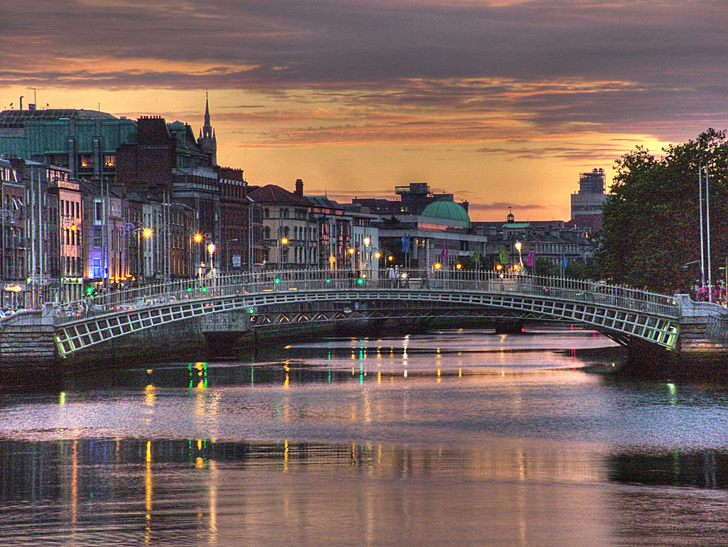 Photograph Ha'Penny Bridge by Philip O'Toole on 500px