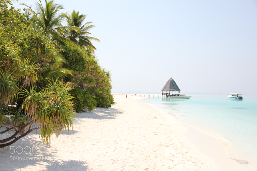 landing stage on angaga island