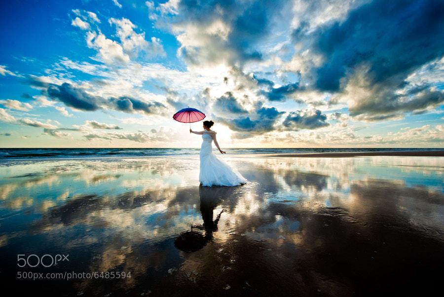 I own the sky by David Fernández Rodríguez (dabytes)) on 500px.com