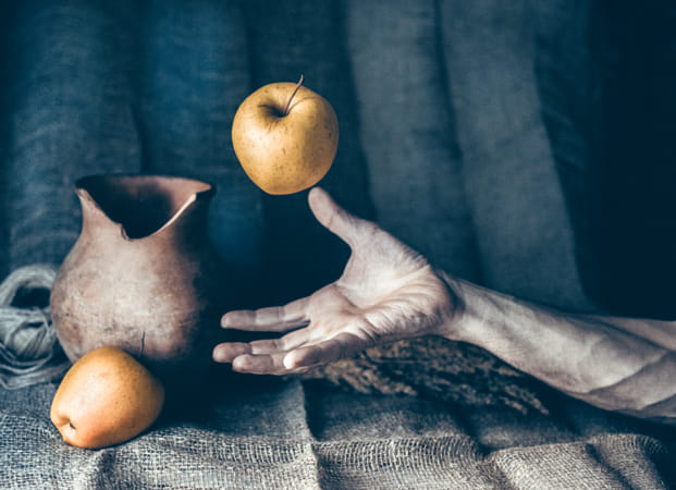 Still life with apple by Heather Balmain on 500px