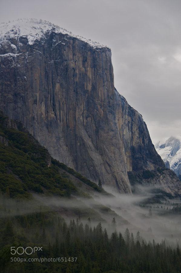 A rainy day in Yosemite Nat'l Park. It's hard to imagine, but that's 3000 feet of sheer granite.