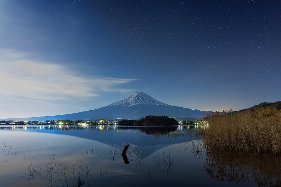 This place is lake Kawaguchi in Yamanashi pref. Japan. It was windless under the moonlight. (taken at 3:32 AM)