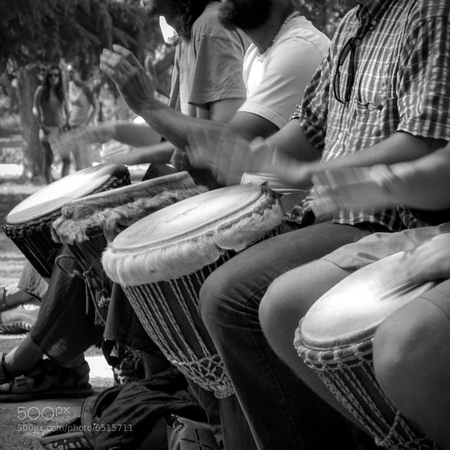 Djembe players @ Parco del Buen Retiro, Madrid, Spain  © Vitaliano Vitali, all rights reserved