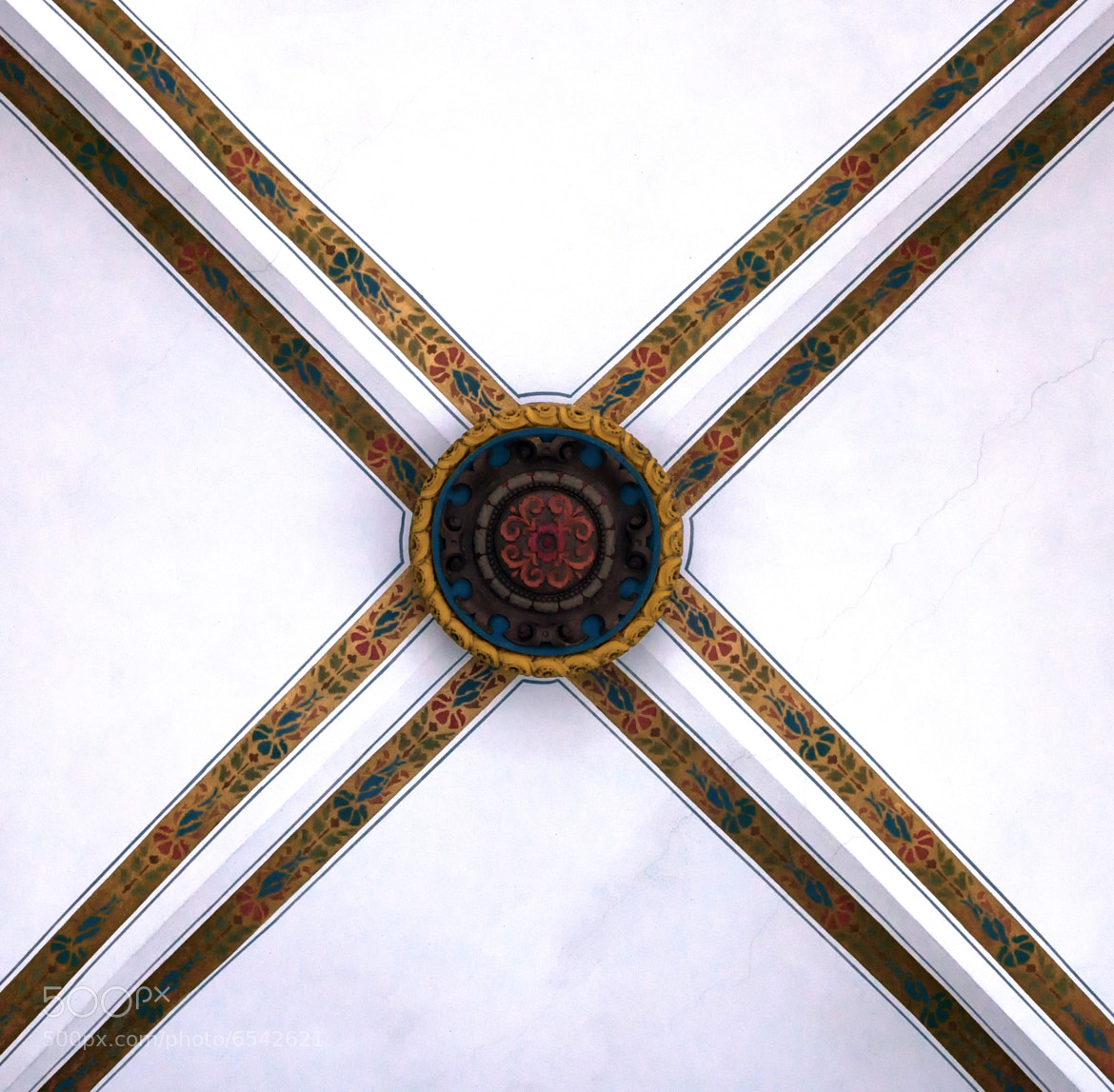 Photograph The cross on the ceiling by Stefan Steinbauer on 500px
