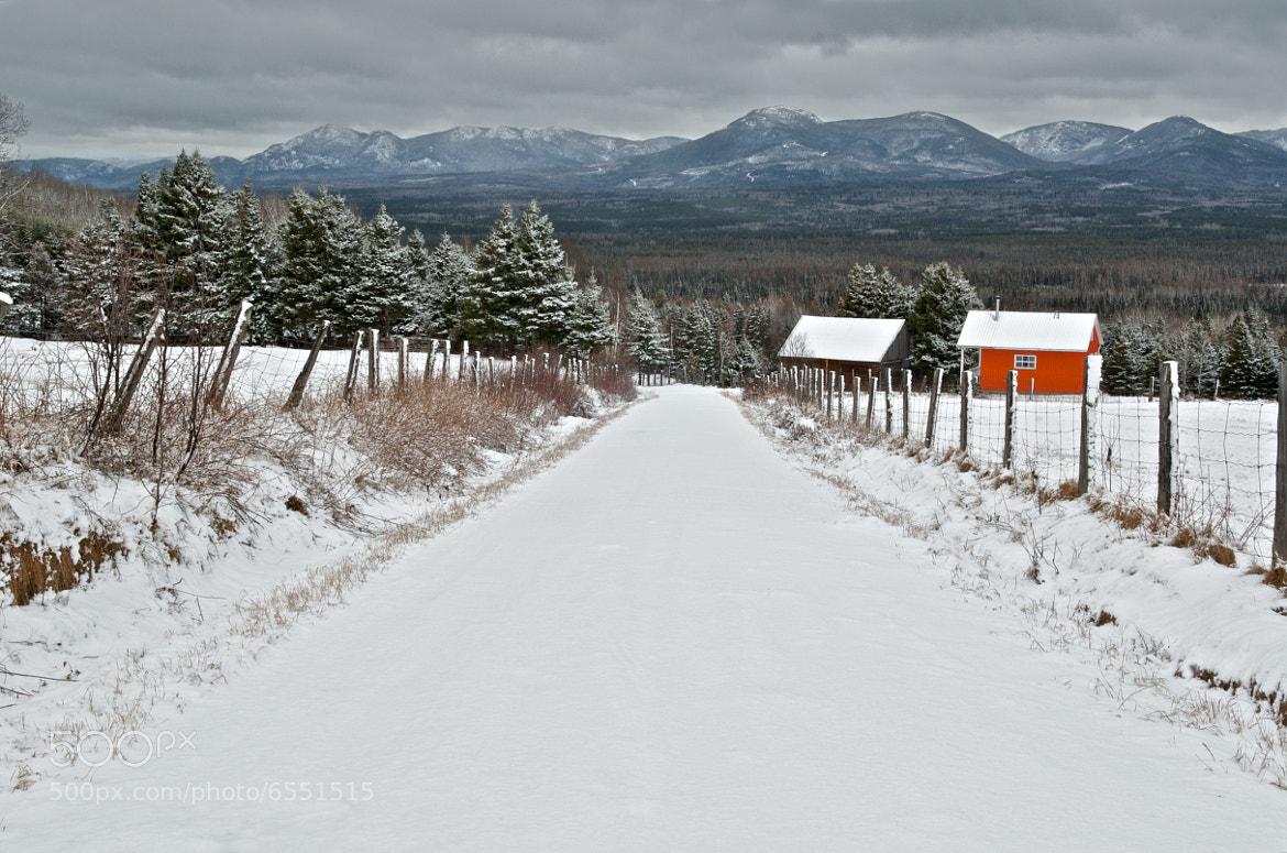 Photograph Le chemin des montagnes by Richard Tétreault on 500px