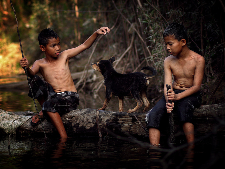 Photograph Two kids and the litle dog by K.Fikie  Aryadi on 500px
