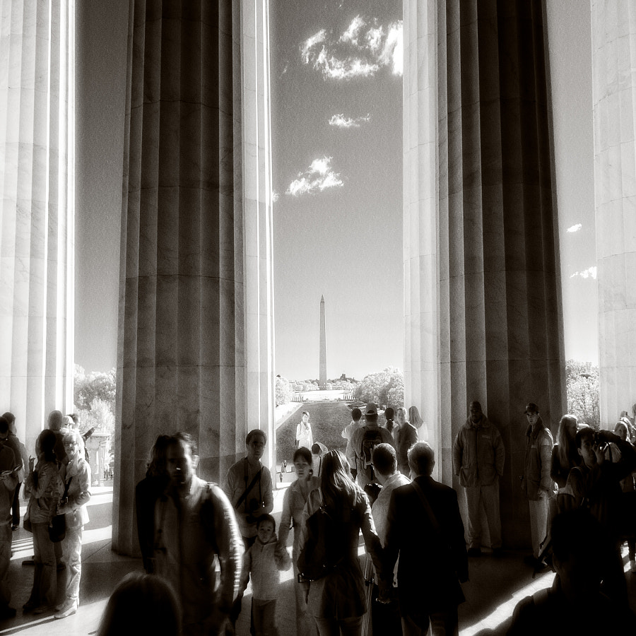 Lincoln Memorial - infrared