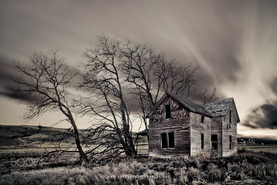 Photograph Haunted House by Rick Parchen on 500px