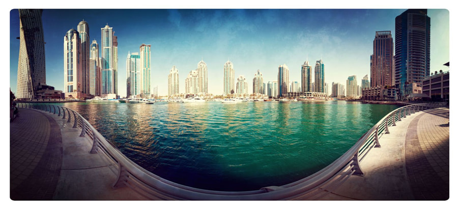 Dubai Marina Walk in Panorama