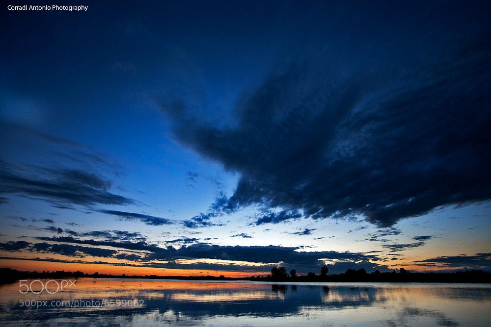 Photograph Ora blue sul lago di Mantova by Antonio  corradi on 500px