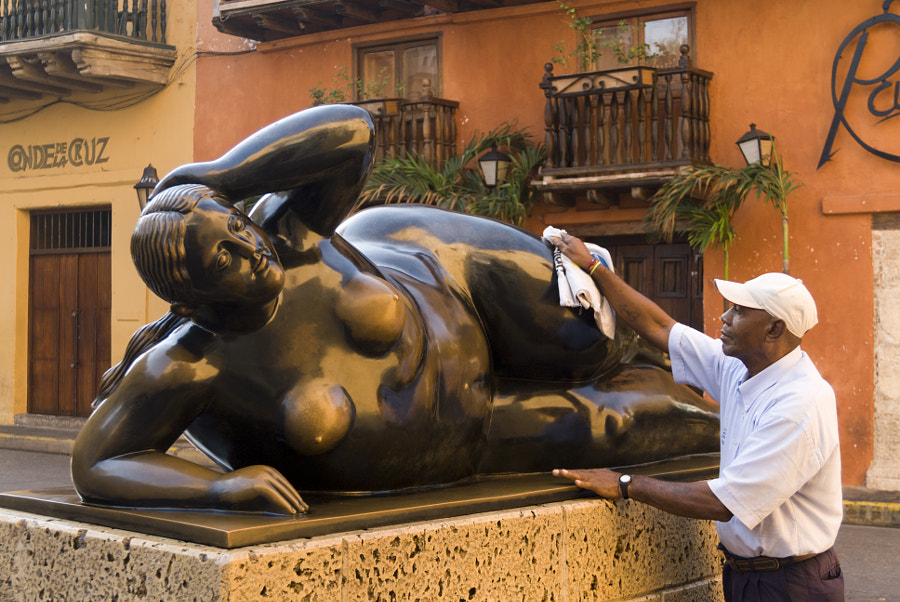 Photograph Polishing Botero nude, Cartagena, Colombia by Alex Segre on 500px