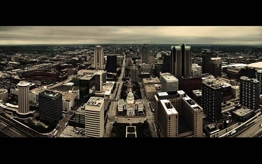 Photograph St. Louis from The Arch by Rawin Cheasagul on 500px