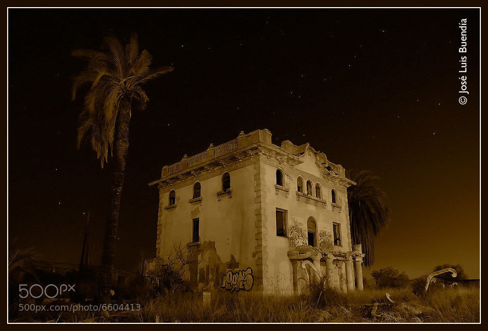 Photograph ghost House by José Luis Buendía on 500px