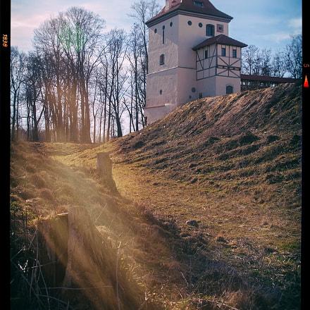 Любчинский замок весной