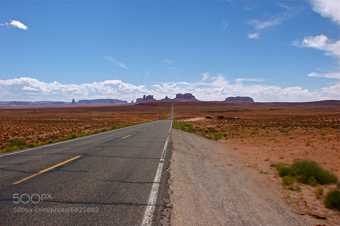 Photograph Entering the Monument Valley by Luca Padovani on 500px