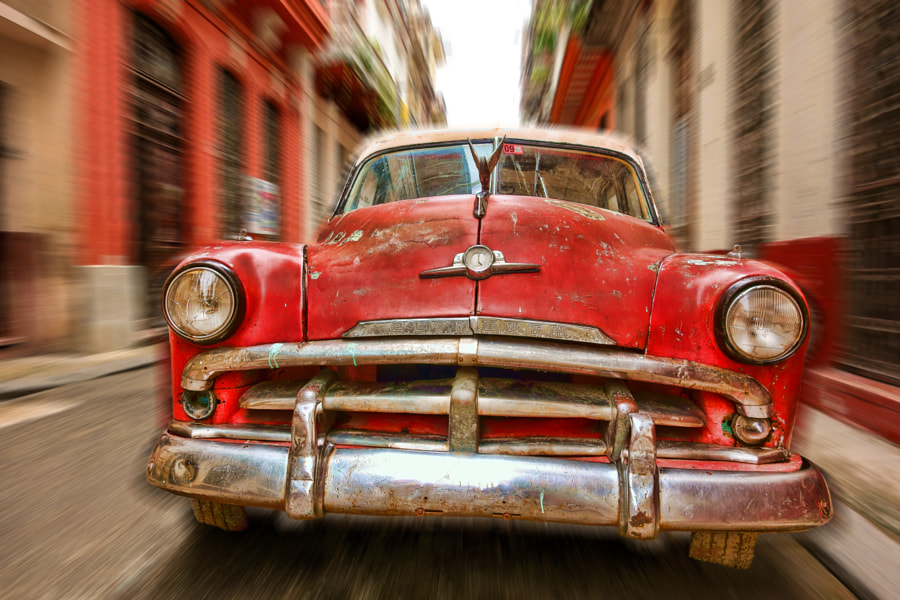 Photograph Racing through the streets of Havana by Mikko Palonkorpi on 500px