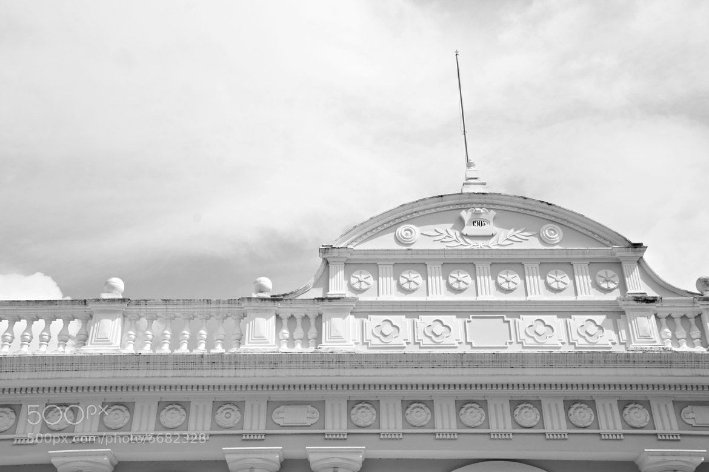 Photograph Paraninfo de la Universidad de Carabobo by Luis De Gouveia on 500px