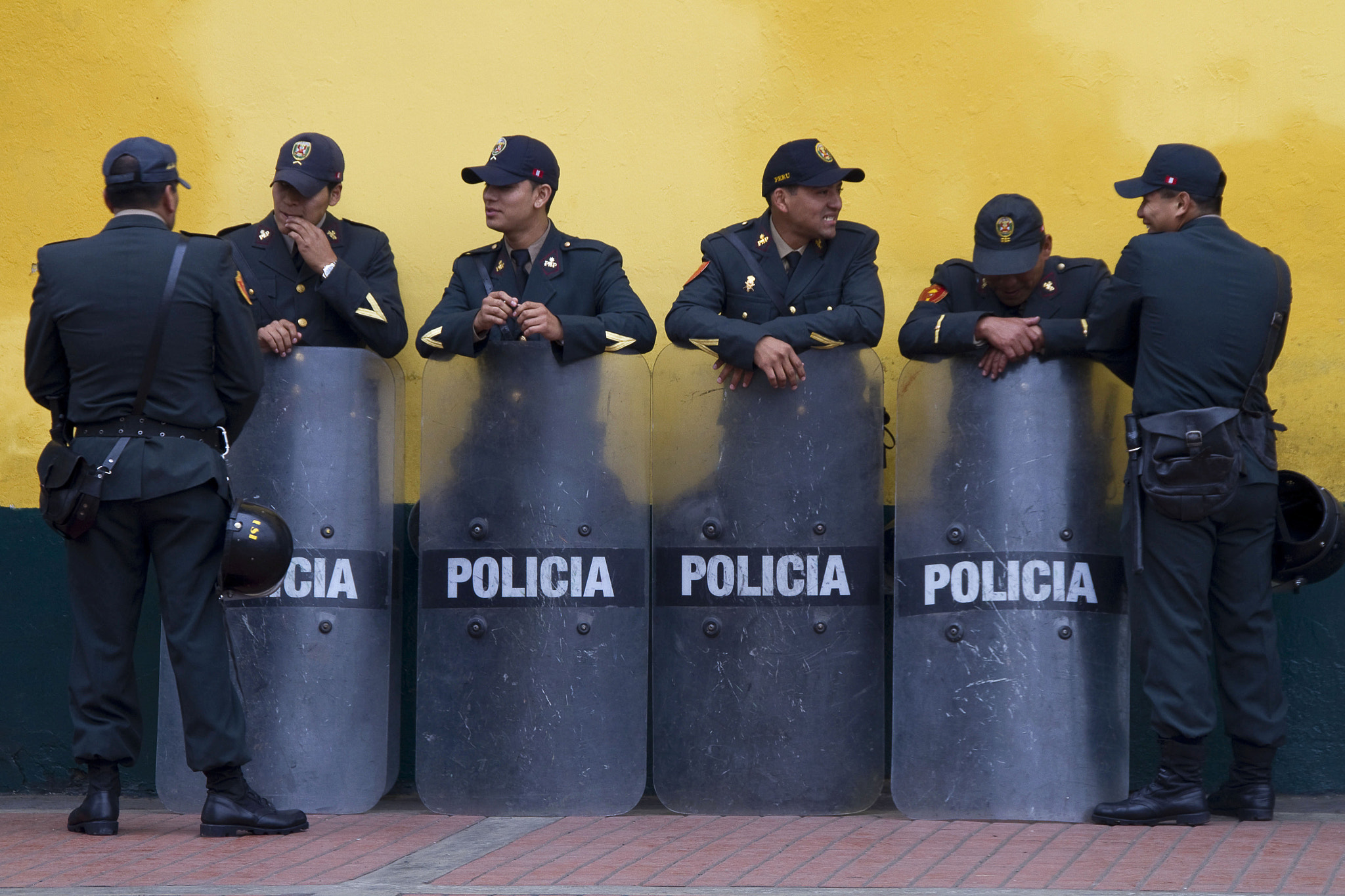 Photograph Policia by Mark Cullen on 500px
