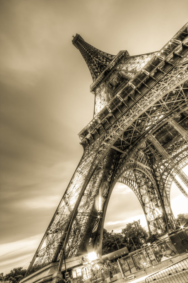 Eiffel Tower 8