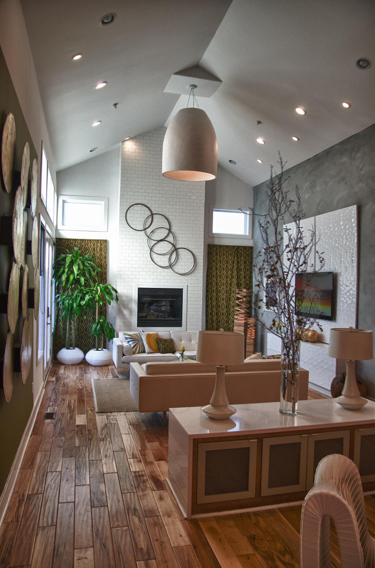 Photograph Extreme Makeover Home Edition - Livingroom 2 by Tucker Joenz on 500px