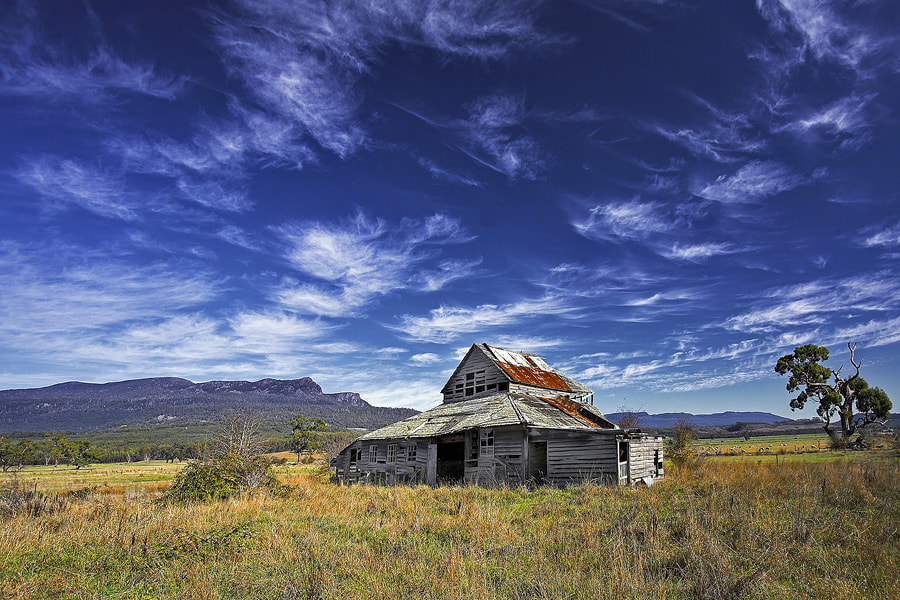 Photograph Western Creek Barn by Peter Daalder on 500px