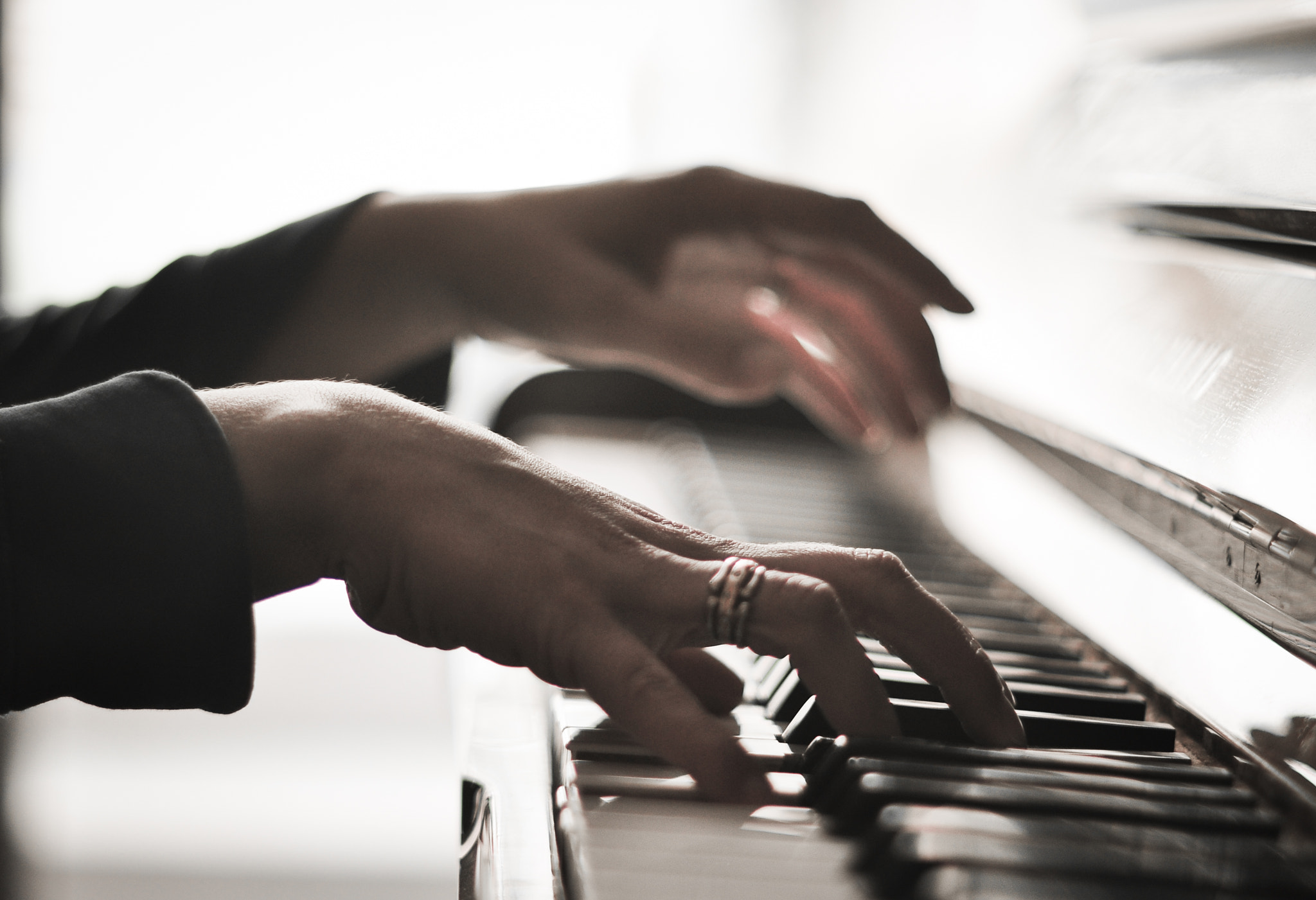 Photograph The pianist by Laurent T. on 500px