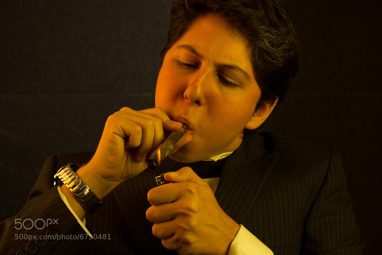 Photograph Lighting the cigar by Arturo León on 500px