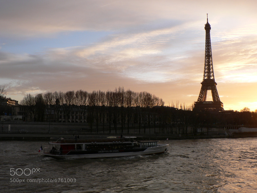 Photograph La seine by Mathieu C on 500px