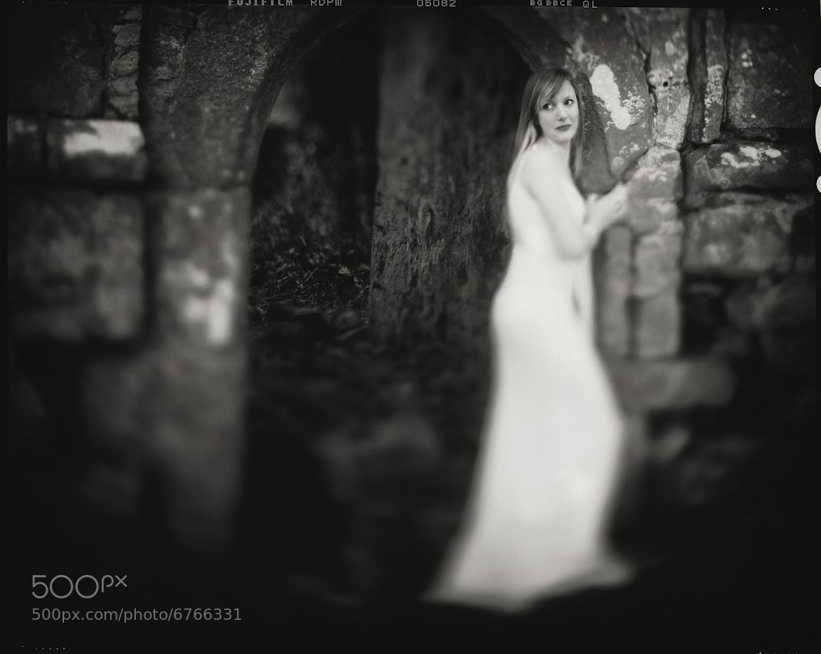 Photograph Lady in white by Andy Lee on 500px