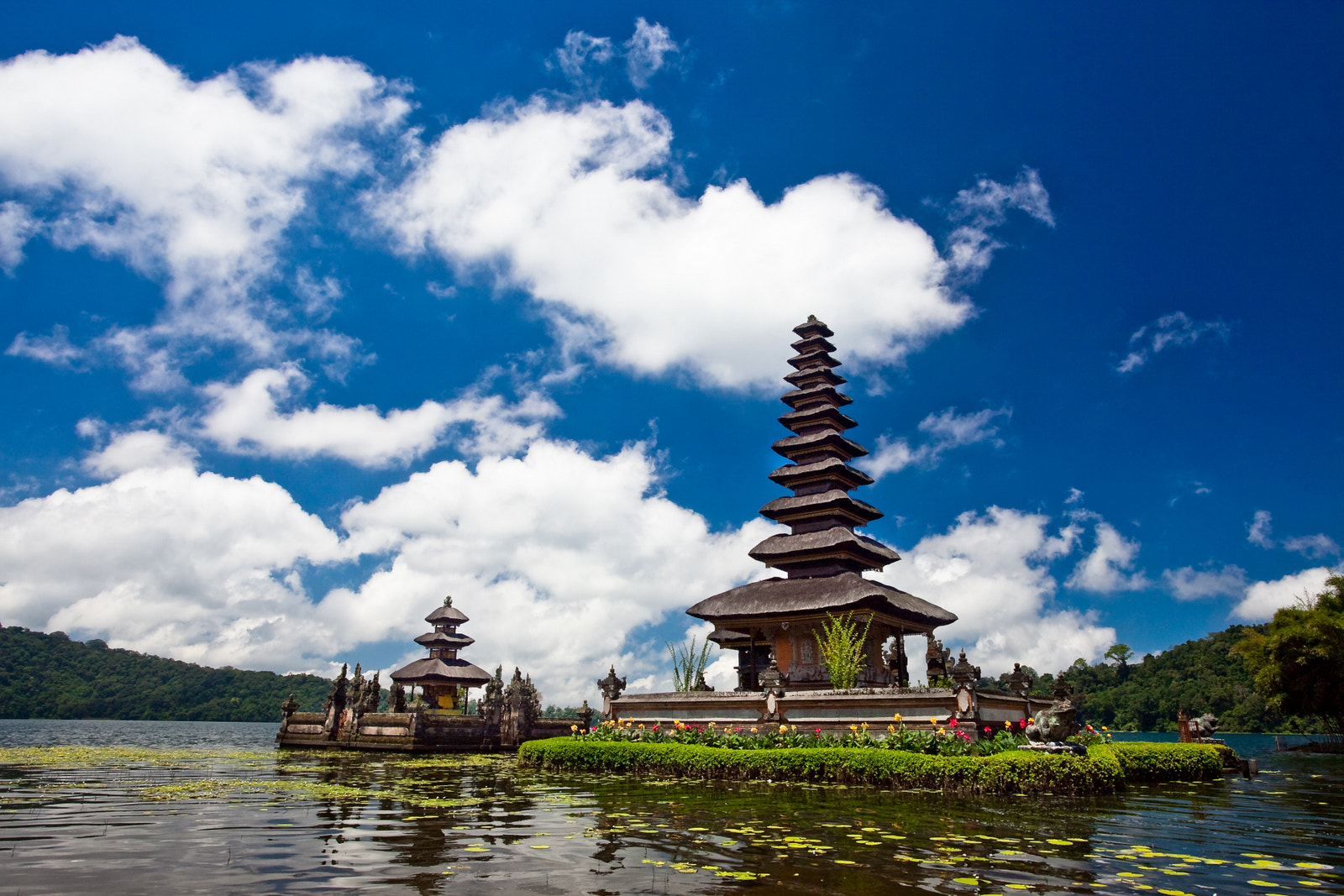 Photograph Ulun Danu by Ping Chen on 500px