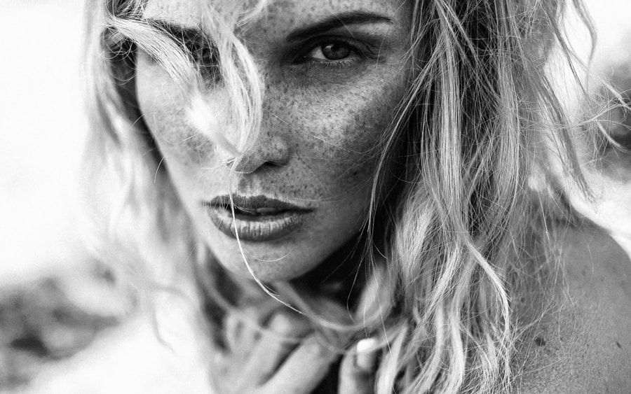Black and white portraits - Photograph Emeline by Lëa Mirp on 500px
