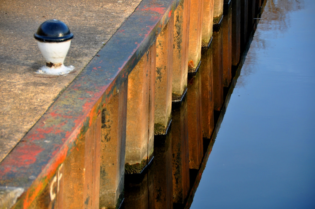Photograph Canal Edge Reflection by Vick Linde on 500px