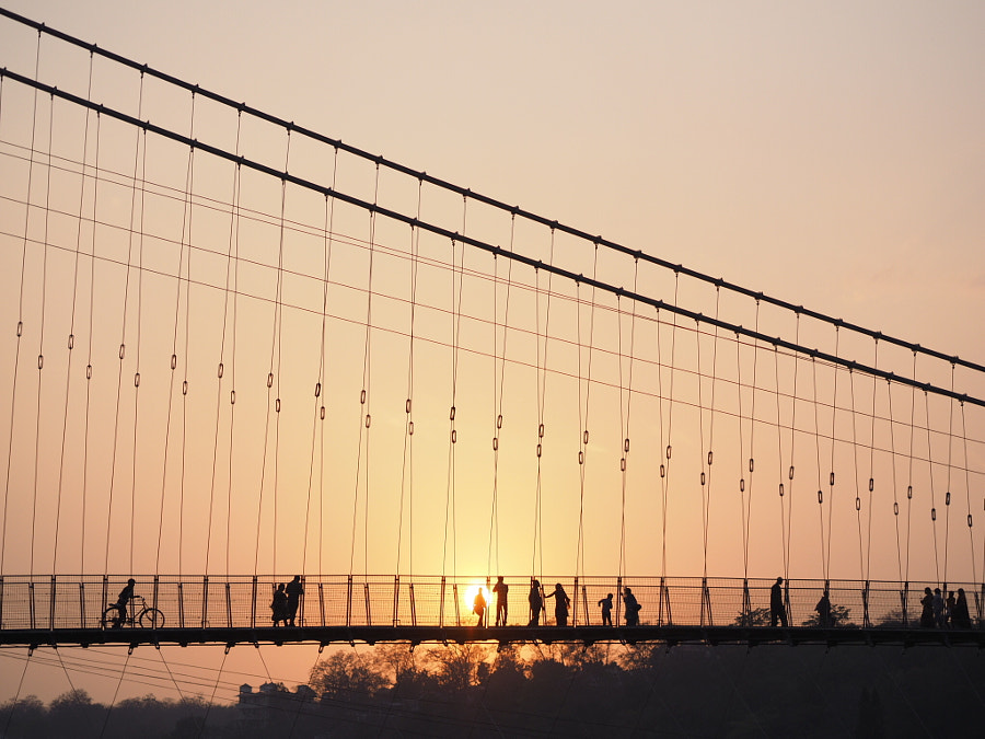 Sunset over the bridge by Artem Zhushman on 500px.com