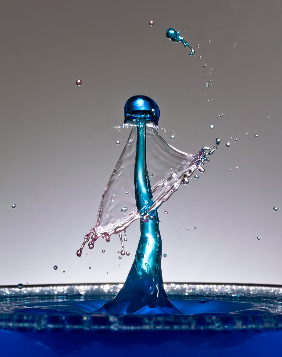 Photograph The liquid juggler by Sylvain Millier on 500px