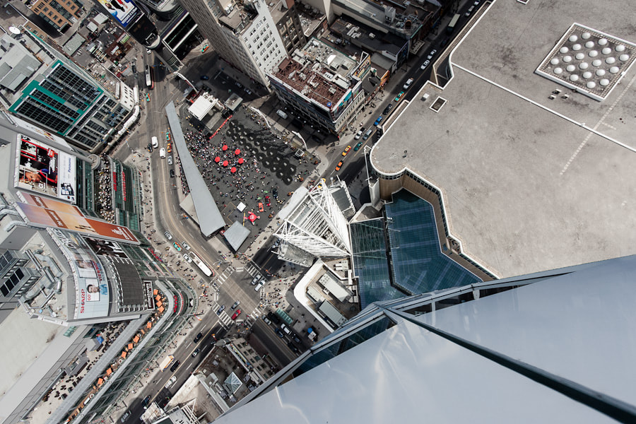 Photograph Cant find a place to land by Roof Topper on 500px