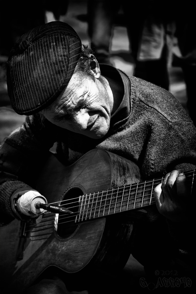 Photograph Street Performer by Giovanni Arroyo on 500px