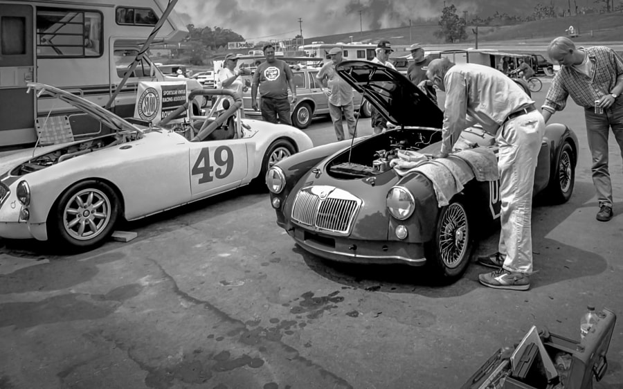 MGA Racers Paddock Vignette-bw