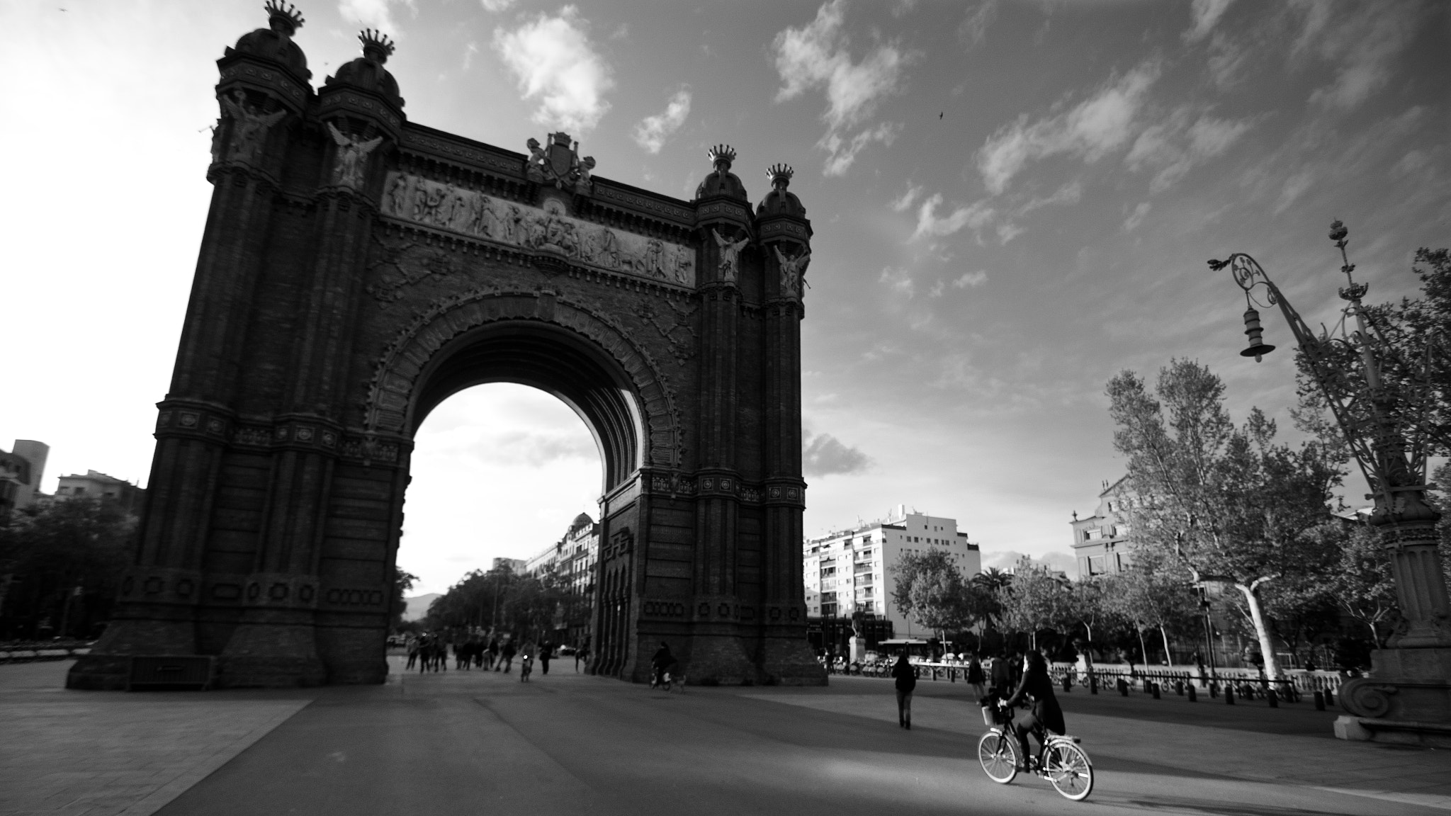 Photograph Arc De Triomf by Nick Brown on 500px