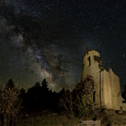 Постер, плакат: St Aloysius Ruin and the Milky Way