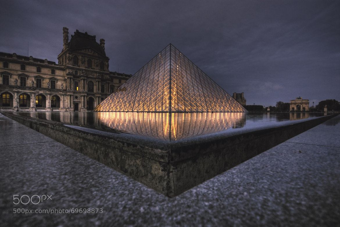 Paris by night - SEO consulting